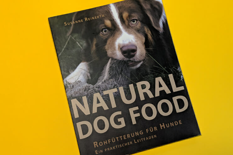 Natural Dog Food BARF Bücher