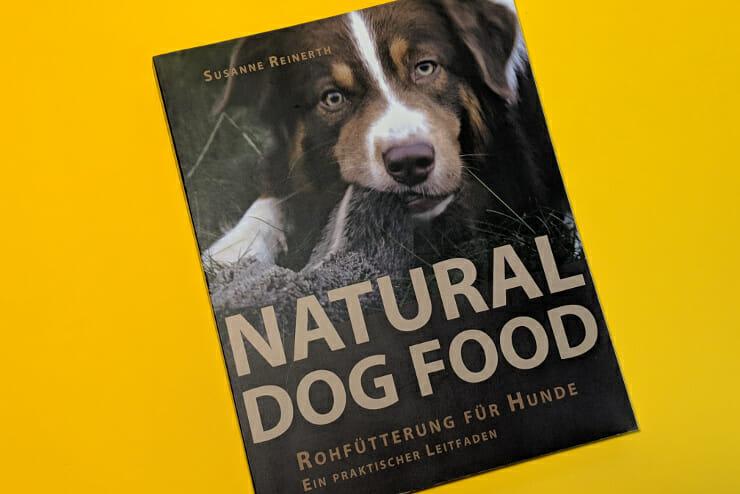 Natural Dog Food BARF Bücher